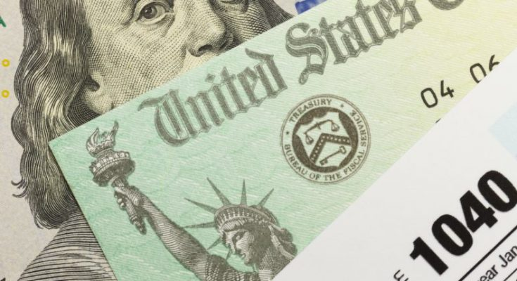 Income tax payers in the U.S. now have the option to receive their federal and state refunds in bitcoin.